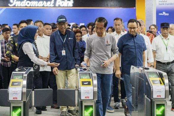 Indonesia khánh thành tuyến metro đầu tiên sau hơn 5 năm xây dựng - Ảnh 1.