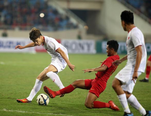 Hoàng Đức đá cặp tiền đạo cùng Đức Chinh trận gặp U23 Thái Lan - Ảnh 1.
