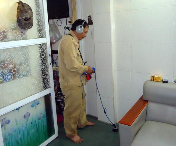 Ống nước bể, rò rỉ có thể nhờ Cấp nước TP.HCM sửa tại nhà - Ảnh 2.