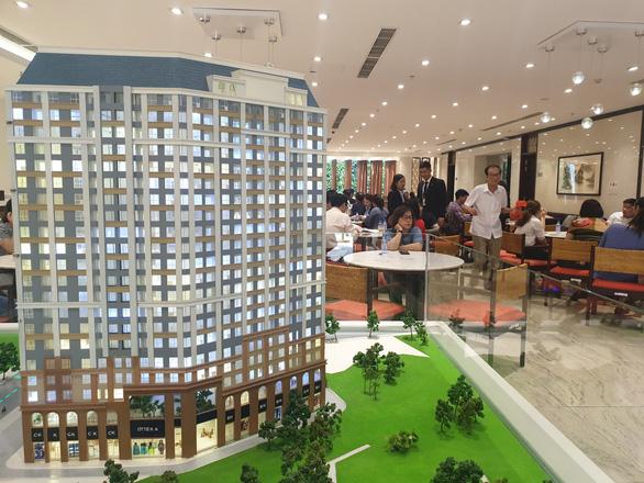 Kiến nghị TP.HCM giải quyết 100 dự án bất động sản đóng băng - Ảnh 2.