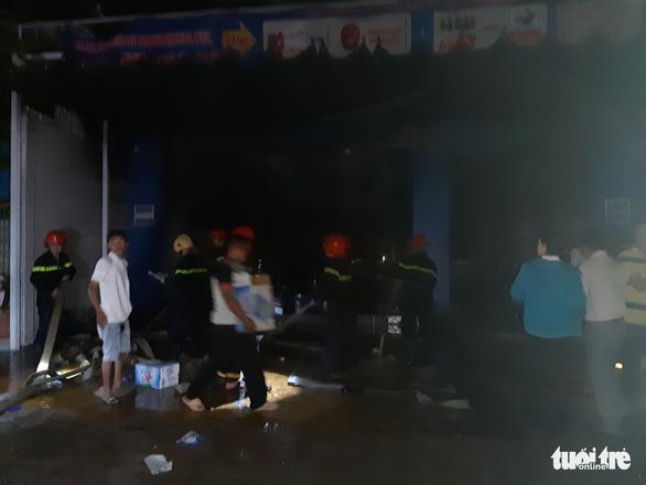 Tiền Giang: Cháy lớn tại cửa hàng xe gắn máy, nhiều xe bị thiêu rụi - Ảnh 5.