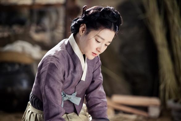 Lee Young Ae với mối tình day dứt trong Nhật ký ánh sáng - Ảnh 1.
