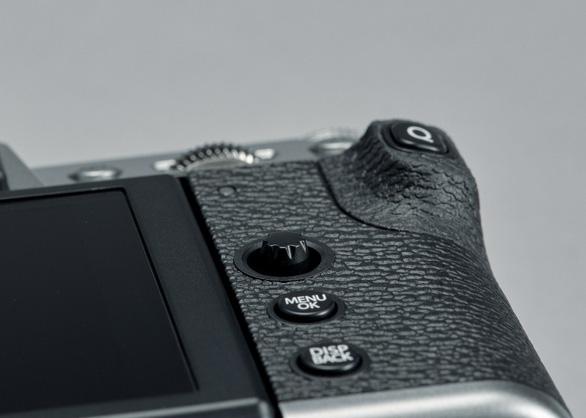 Máy ảnh Fujifilm X-T30: 'Nhỏ nhưng võ công cao' - Ảnh 3.