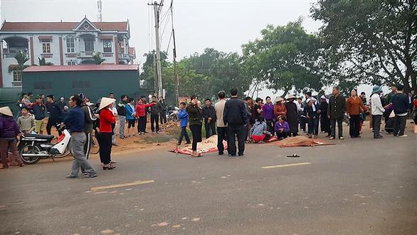 Tai nạn thảm khốc giữa xe khách và đoàn đưa tang: 7 người chết - Ảnh 5.