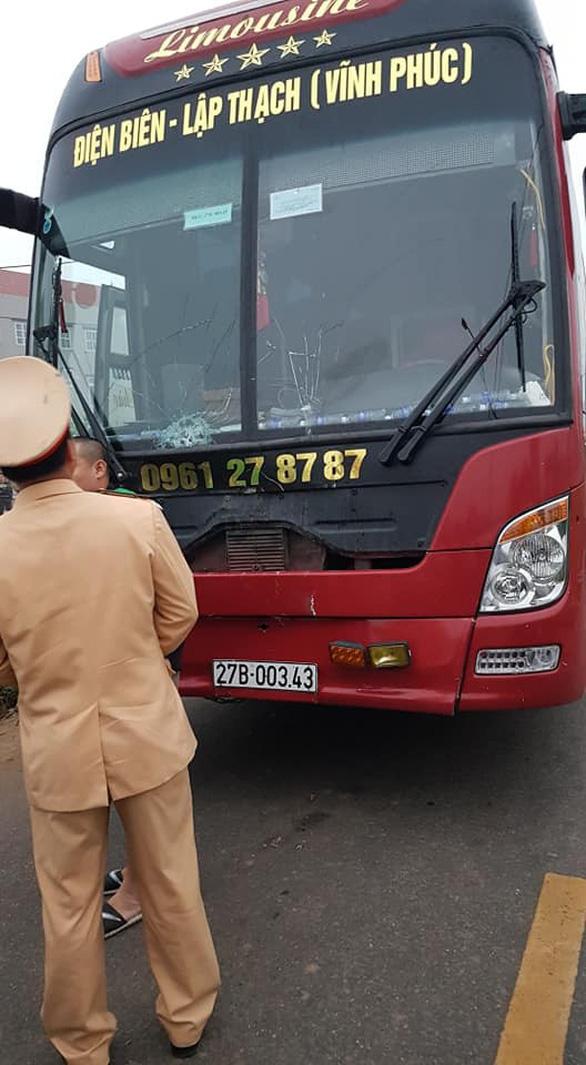 Tai nạn thảm khốc giữa xe khách và đoàn đưa tang: 7 người chết - Ảnh 11.