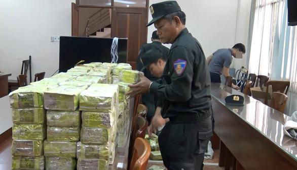 Bắt khẩn cấp ông trùm cầm đầu đường dây 300kg ma túy đá - Ảnh 1.