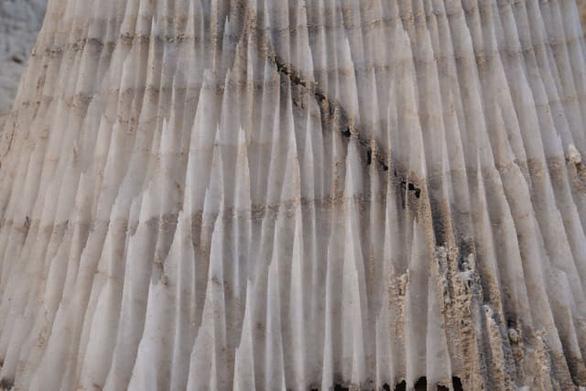 Phát hiện hang động muối dài nhất thế giới - Ảnh 4.