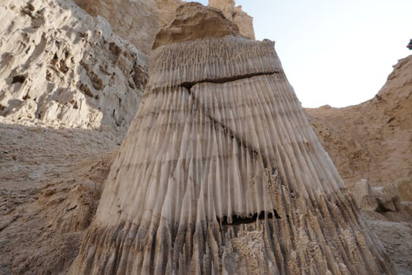 Phát hiện hang động muối dài nhất thế giới - Ảnh 5.