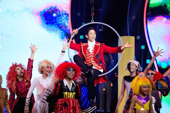 Tái hiện nhạc kịch Greatest Showman, Mạnh Quyền vô địch Tinh hoa hội tụ - Ảnh 6.