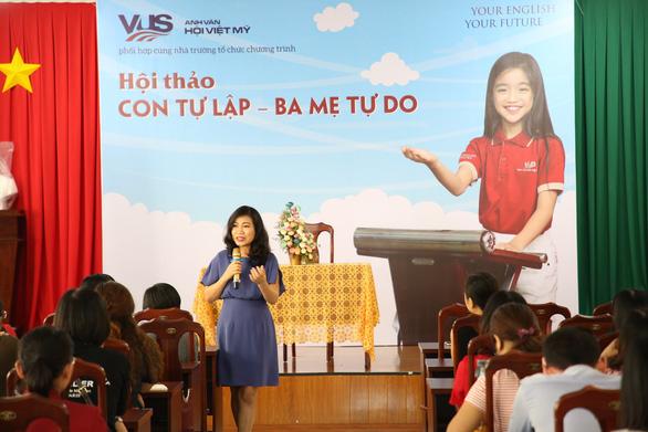 VUS cùng diễn giả Thu Hà (Mẹ Xu Sim) dạy con tự lập - Ảnh 1.