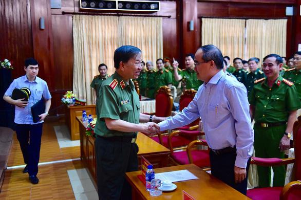 Bộ trưởng Bộ Công an khen thưởng thành tích phá án ma túy tại TP.HCM - Ảnh 2.