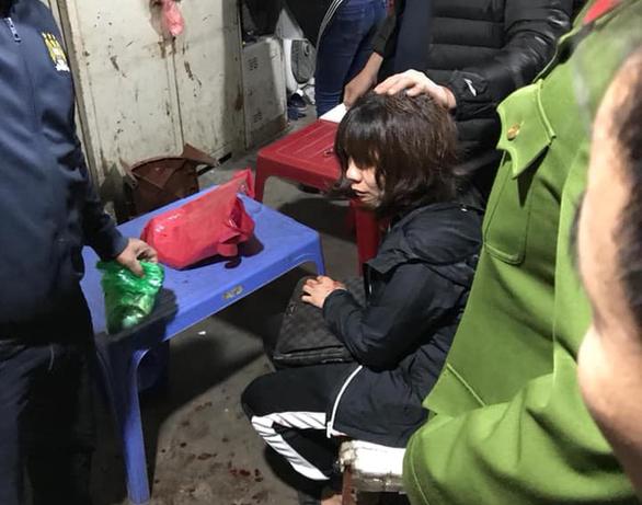 Bắt giữ người đàn ông nổ súng cướp tài sản ở chợ Long Biên - Ảnh 1.