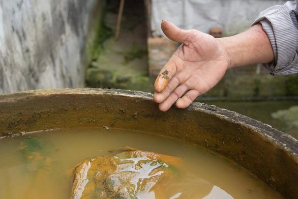 Cách trung tâm huyện vài cây số, hàng ngàn hộ dân khát nước sạch - Ảnh 2.