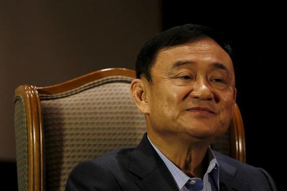 Vua Thái Lan thu hồi huân chương của ông Thaksin - Ảnh 1.