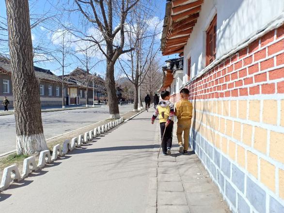 Nhiều quy định 'oái oăm', du lịch Triều Tiên vẫn sốt với khách Việt - Ảnh 3.