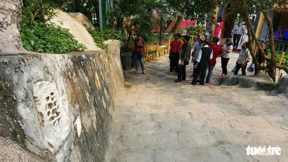 Sư trụ trì sám hối, nhà chùa cam kết, loa vẫn sang sảng vong báo oán - Ảnh 1.
