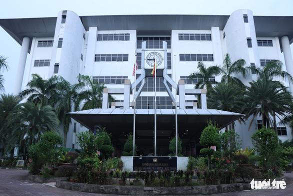 Đại sứ quán Việt Nam thăm lãnh sự Đoàn Thị Hương trước phiên tòa quan trọng - Ảnh 1.