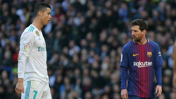 Messi thừa nhận nhớ Ronaldo - Ảnh 1.
