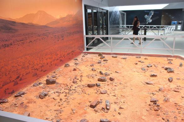 Ghé Trung tâm vũ trụ Kennedy tham quan sao Hỏa - Ảnh 1.