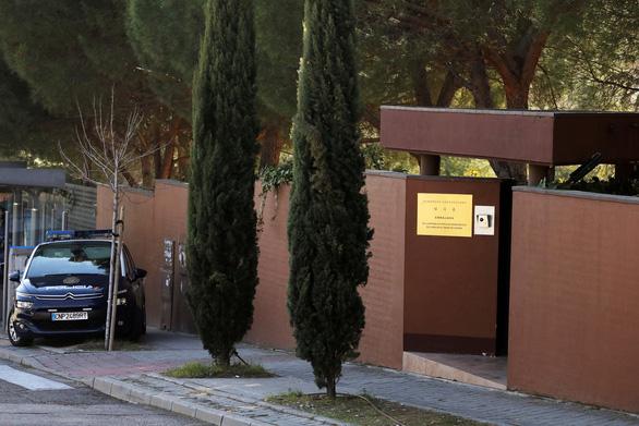 Triều Tiên chỉ trích vụ tấn công đại sứ quán ở Madrid - Ảnh 1.