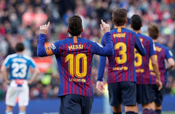 Messi ghi bàn và lập kỷ lục giúp Barca chiến thắng - Ảnh 2.