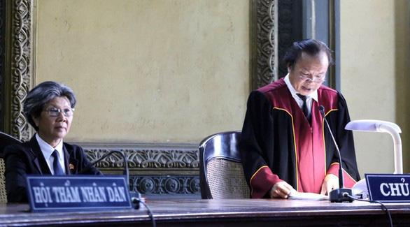Bản án ly hôn Trung Nguyên: Buộc bà Thảo nhận tiền là thô bạo, trái luật - Ảnh 1.