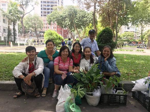Hội mê trồng cây, họp chợ tặng nhau miễn phí - Ảnh 1.