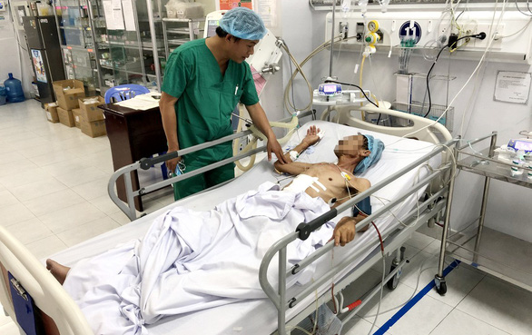 Phẫu thuật cắt khối u lách nặng 3kg - Ảnh 2.