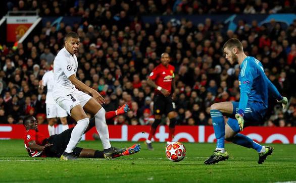 Alexis Sanchez nghỉ thi đấu 6 tuần khi M.U sắp 'tử chiến' PSG, Arsenal - Ảnh 2.