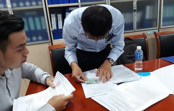 Lãi suất vay mua nhà ngày càng cao, gây áp lực cho người trả nợ - Ảnh 1.