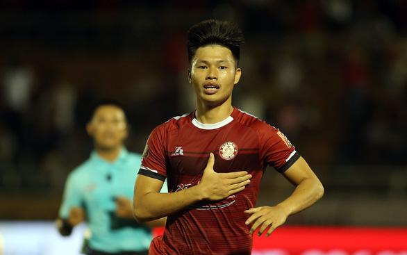 HLV Chung Hae Soung tiếp tục đưa CLB TP.HCM đứng đầu V-League 2019 - Ảnh 1.