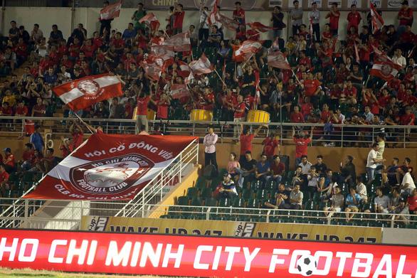 HLV Chung Hae Soung tiếp tục đưa CLB TP.HCM đứng đầu V-League 2019 - Ảnh 2.