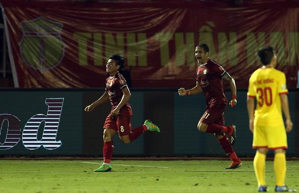 HLV Chung Hae Soung tiếp tục đưa CLB TP.HCM đứng đầu V-League 2019 - Ảnh 3.