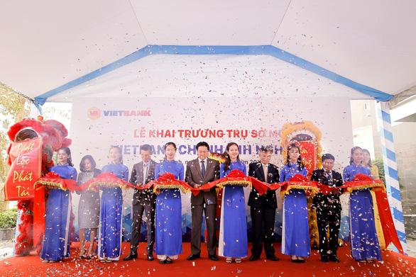 Vietbank chi nhánh Nghệ An khai trương trụ sở mới - Ảnh 1.
