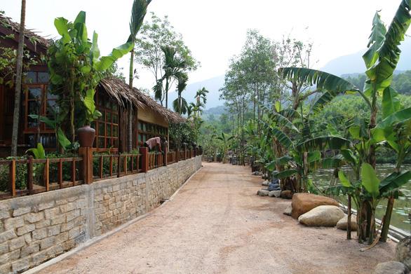 Khu nghỉ dưỡng đẹp tuyệt... xây chui trong rừng phòng hộ - Ảnh 2.