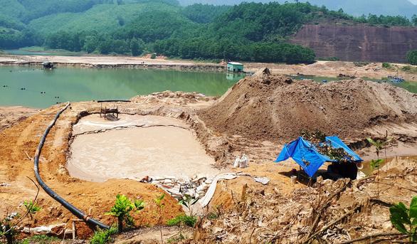Quảng Nam đề nghị sớm duyệt đóng cửa mỏ vàng Bồng Miêu - Ảnh 1.