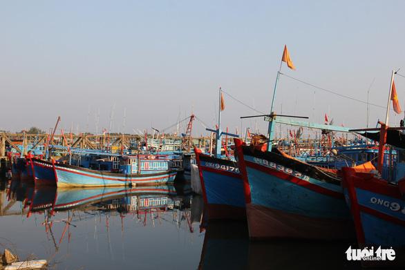 Một tàu cá Quảng Ngãi bị tàu Trung Quốc đâm chìm trên biển Hoàng Sa - Ảnh 1.