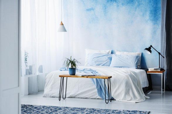 Gợi ý 3 cách làm mới phòng ngủ với giấy dán tường - Ảnh 1.