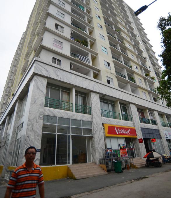 Ngân hàng thông báo xiết nợ chung cư Khang Gia Tân Hương - Ảnh 1.