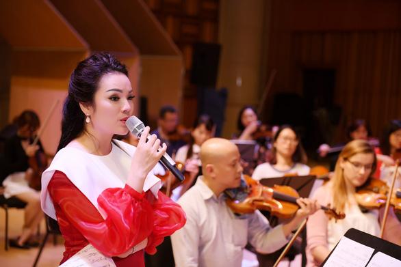 Liveshow Trở về của Tân Nhàn diễn ra vào ngày 16-3 - Ảnh 1.