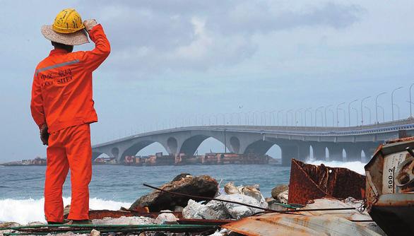 Maldives sốc vì nợ Trung Quốc đội gấp đôi, lên 3,2 tỉ USD - Ảnh 1.