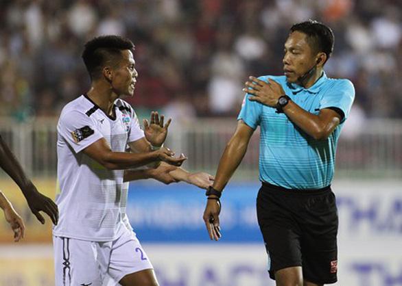 V-League 2019 lại dậy sóng về trọng tài - Ảnh 1.