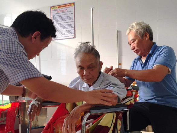 Bệnh viện huyện cứu sống một bệnh nhân tuyến trung ương trả về - Ảnh 1.