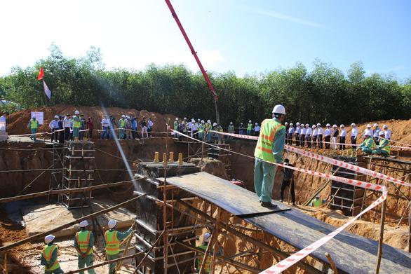 Vướng bồi thường, nhiều dự án ĐZ 220kV tỉnh Quảng Ngãi chậm tiến độ - Ảnh 2.