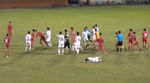Vụ xô xát giữa cầu thủ U-19 TP.HCM và An Giang: Cần đề cao đạo đức với bóng đá trẻ - Ảnh 1.