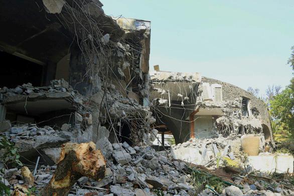 Tòa nhà tỉ phú Ấn Độ bị giật mìn san phẳng - Ảnh 6.