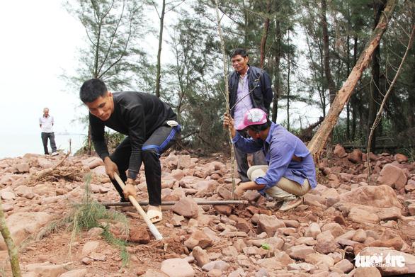 Vụ làm đầm tôm phá rừng phòng hộ: dỡ nhà xây trái phép - Ảnh 7.