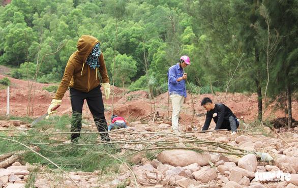 Vụ làm đầm tôm phá rừng phòng hộ: dỡ nhà xây trái phép - Ảnh 6.