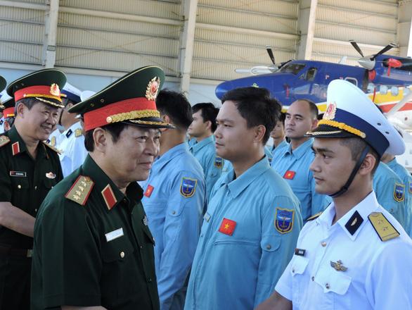 Bộ trưởng Ngô Xuân Lịch: Ổn định cuộc sống cho cả gia đình quân nhân - Ảnh 3.