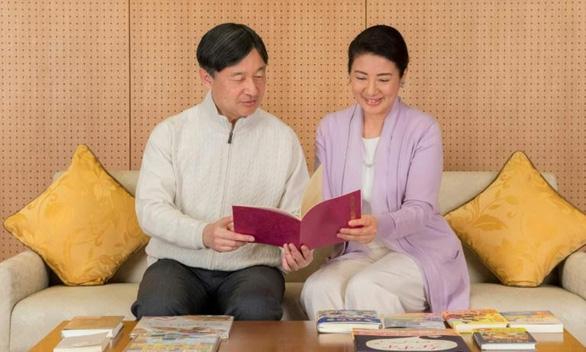 Tân Nhật hoàng Naruhito sẽ hiện đại hoá truyền thống hoàng gia? - Ảnh 1.